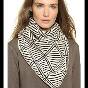 New!Madewell Diamond Bandana Triangle Scarf Wool